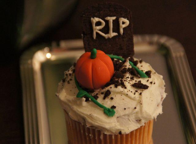 cupcakeripclose.jpg