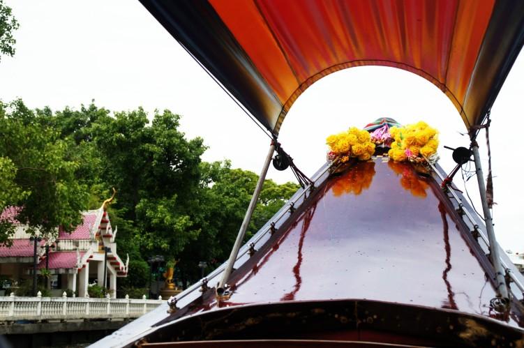 Barca por el río Chao Phraya, Bangkok / Boat through Chao Phraya River, Bangkok