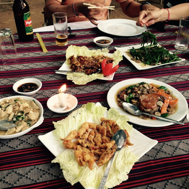 Comida típica Birmana / Myanmar typical lunch